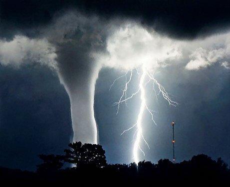 331-tornado-and-lightning-pv