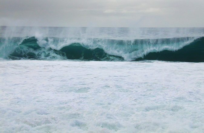 monster-wave-1253815